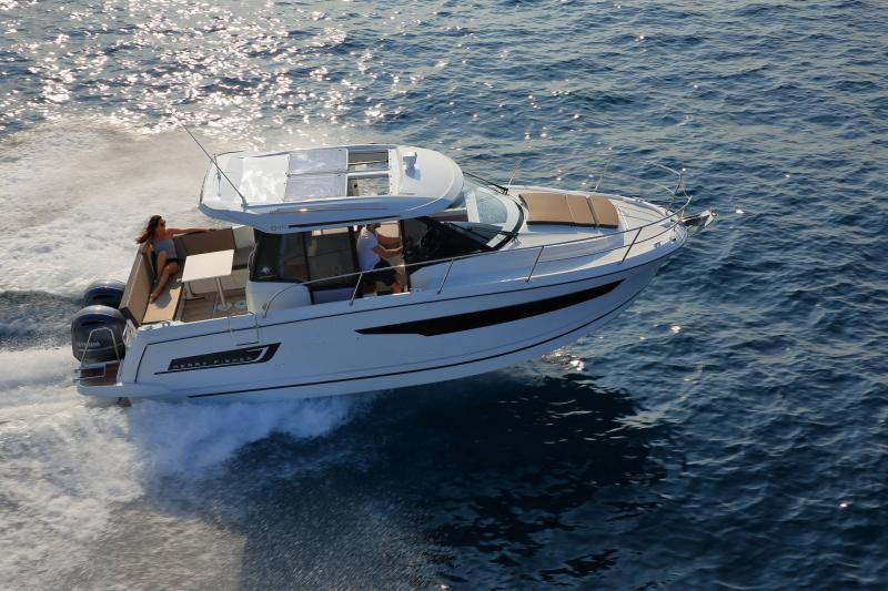 Merry Fisher 895 Sunsport Marine